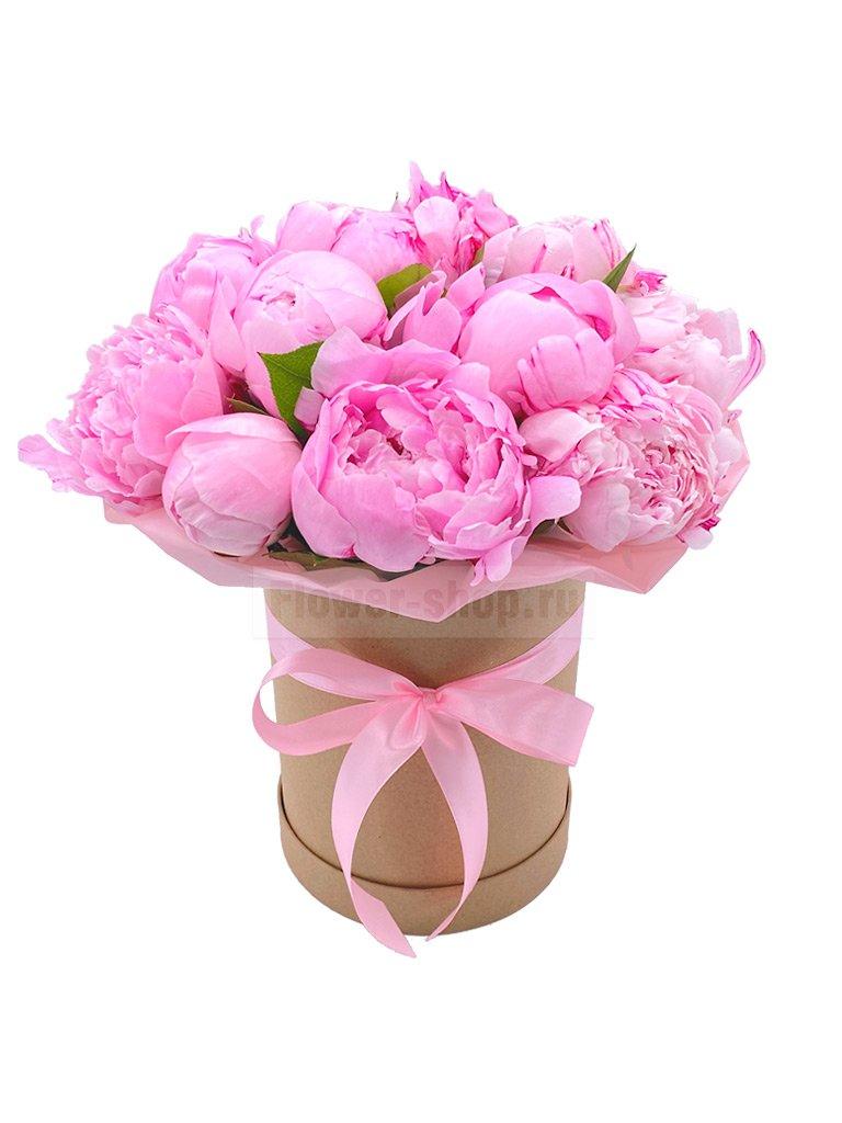 15 розовых пионов в шляпной коробке - купить сегодня по цене 8290 руб. с бесплатной доставкой в Москве
